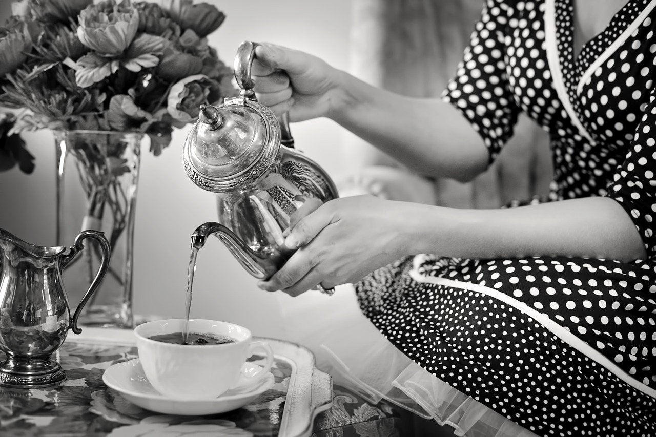 tea-party-sugar-bowl
